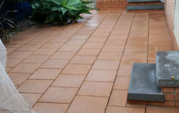 Paver Clean in Brighton